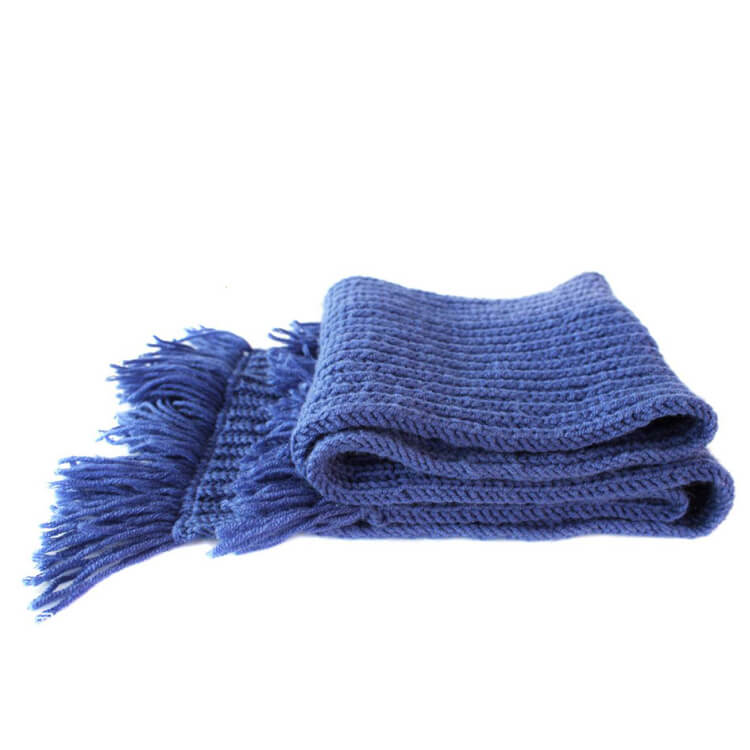 Knitted scarves Factory
