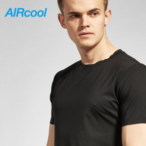 Ari cool black T-shirt