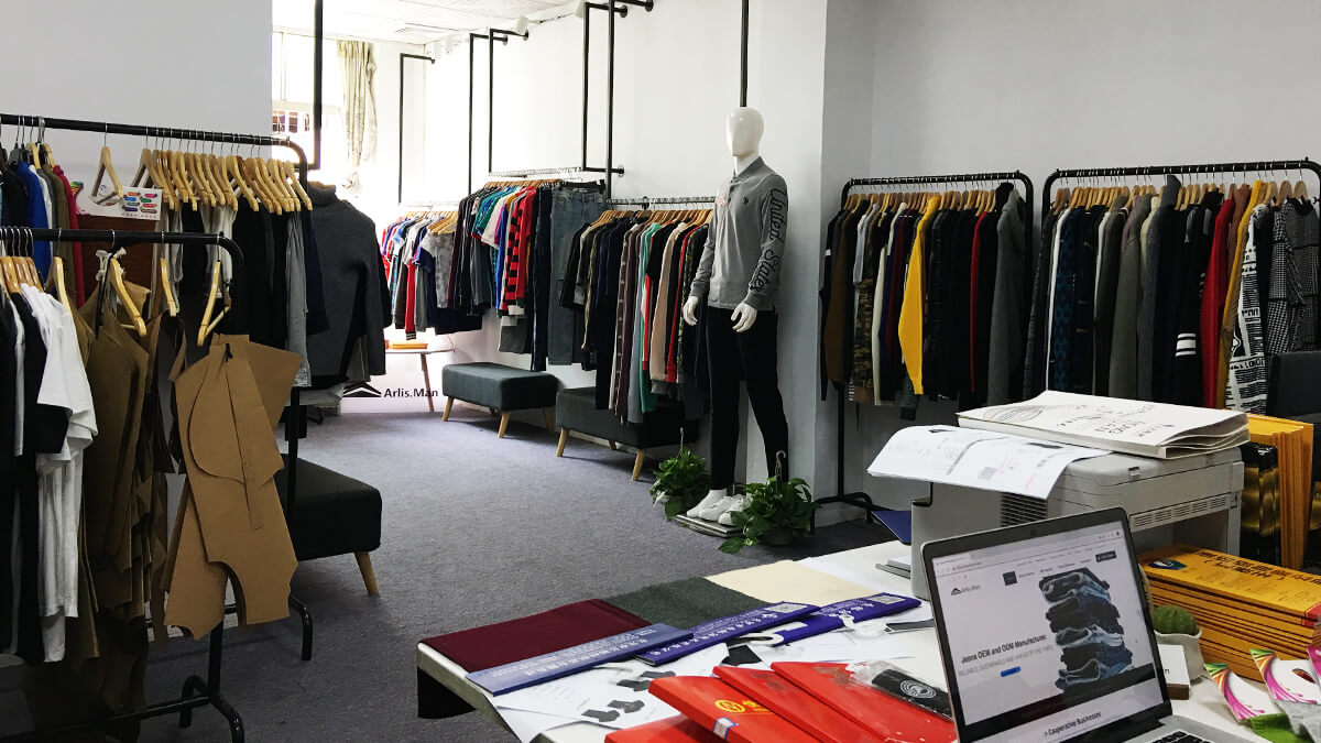Clothing Showroom-ARLISMAN